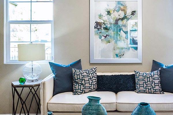 Die Idealen Möbel Fürs Wohnzimmer @ Neonbrand / Unsplash