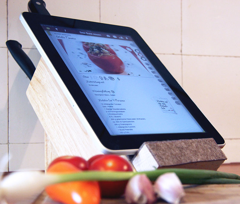 Do it yourself: Messerblock mit Tablet-Ablage