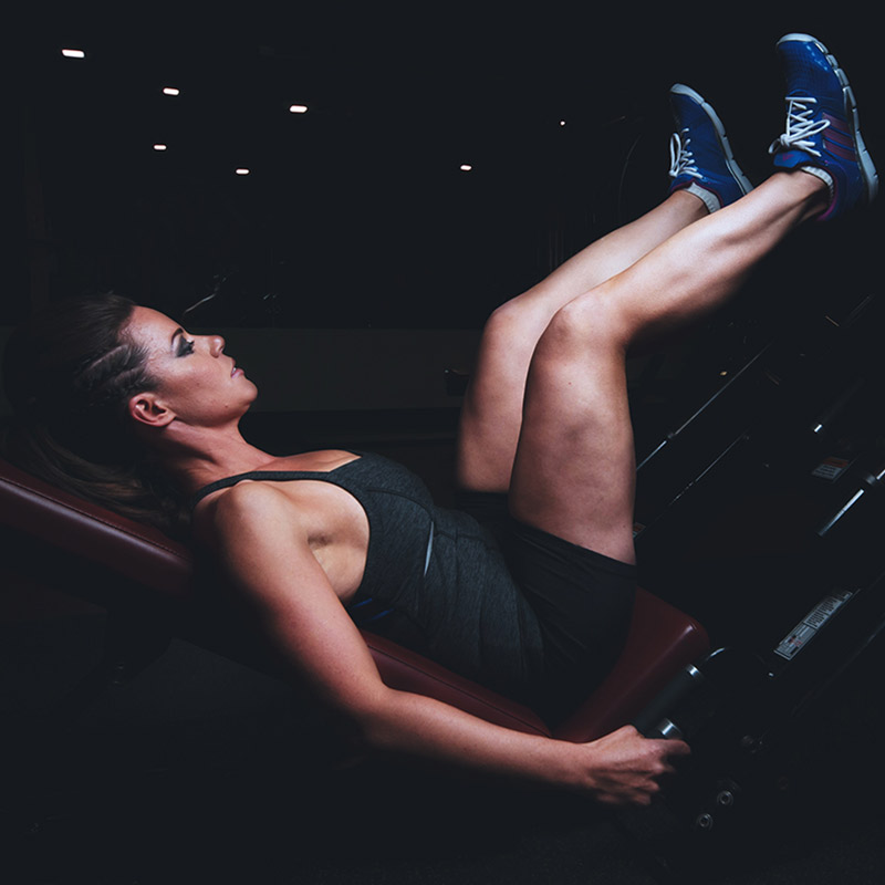 fitnessraum zu hause einrichten und trainieren. Black Bedroom Furniture Sets. Home Design Ideas
