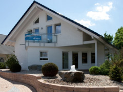 Hausausstellung fertighaus center mannheim for Wohnbox fertighaus