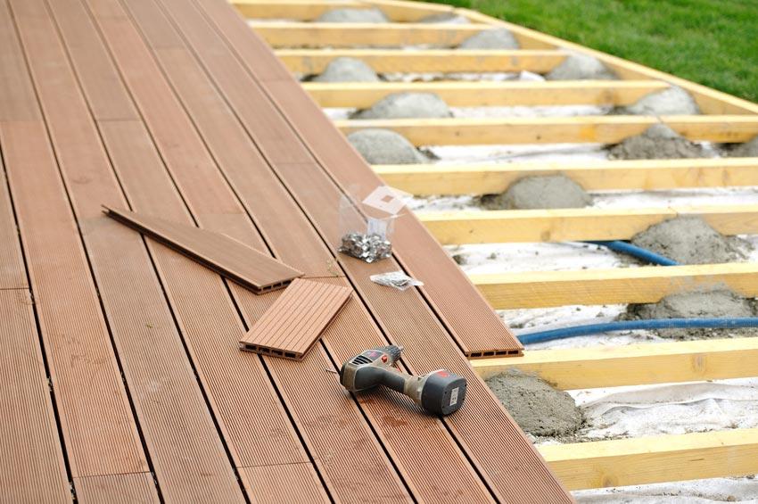 wpc dielen verlegen holzboden auf der terrasse selbst balkon