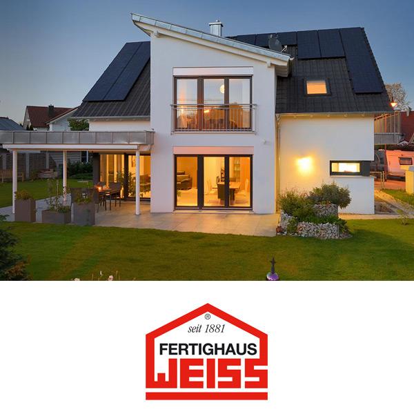 Fertighaus weiss entwurf musterhaus ulm von fertighaus for Haus bauen fertighaus