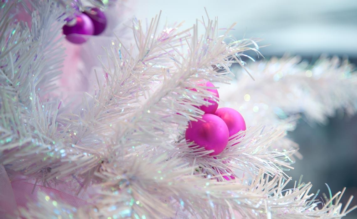 K Nstlicher Weihnachtsbaum