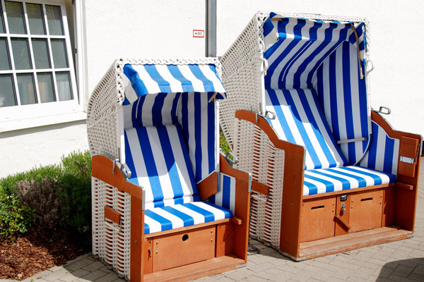 strandkorb f r den balkon rugbyclubeemland. Black Bedroom Furniture Sets. Home Design Ideas